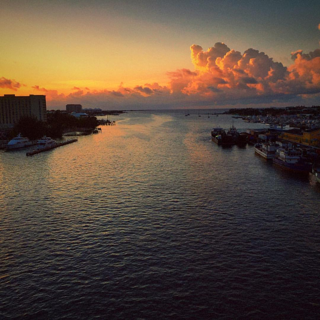 Paradise Island: Sunrise Paradise Island